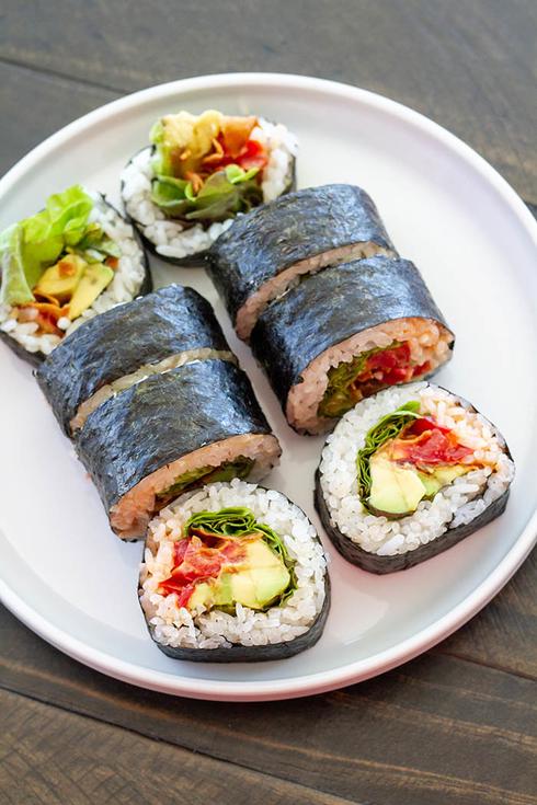 คิมบับ Kimbap คือ ข้าวห่อสาหร่ายเกาหลี