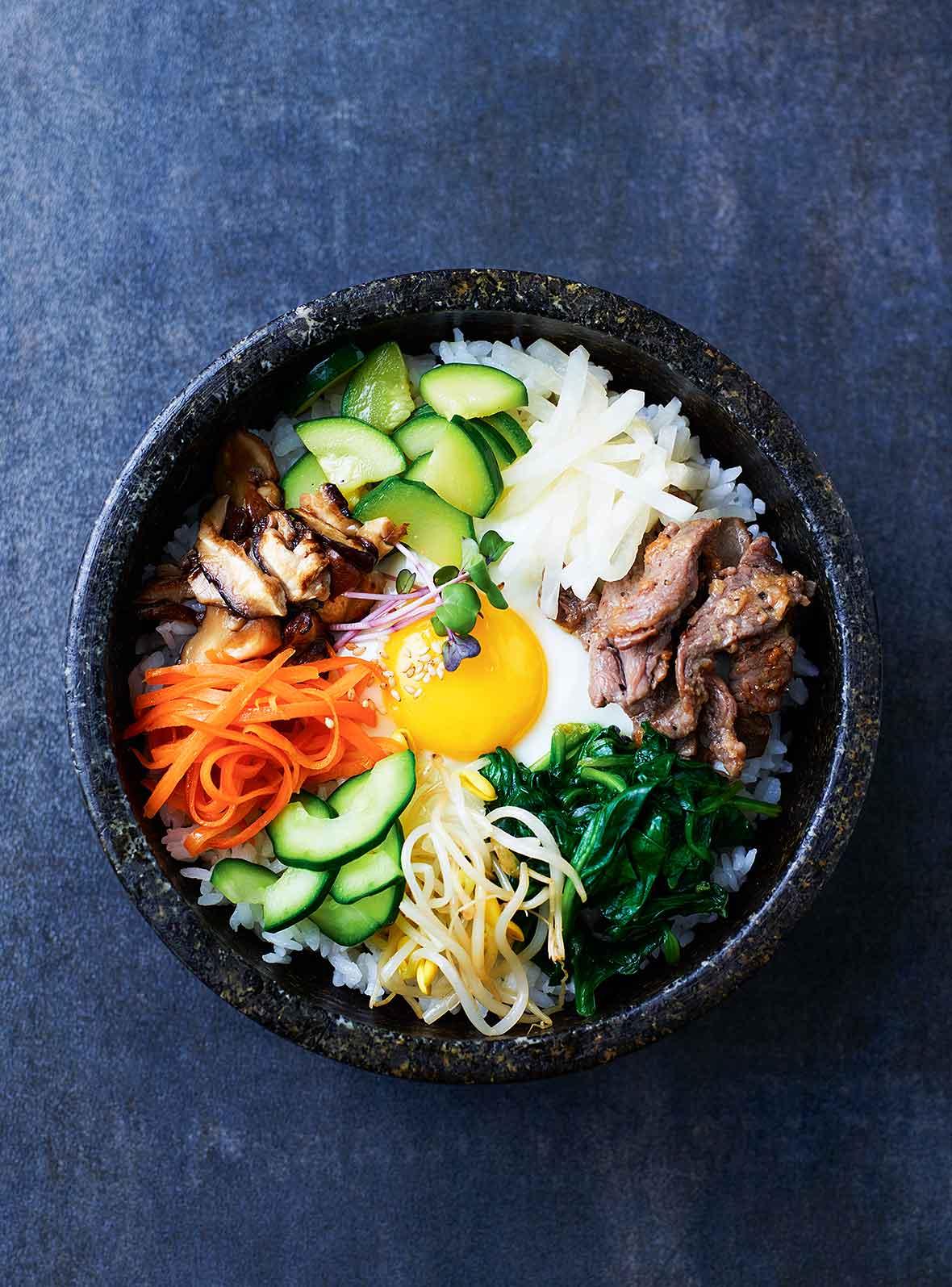 บิบิมบับ bibimbap คือ ข้าวยำเกาหลี